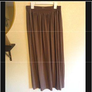 Dresses & Skirts - Taupe Ribbed Skirt